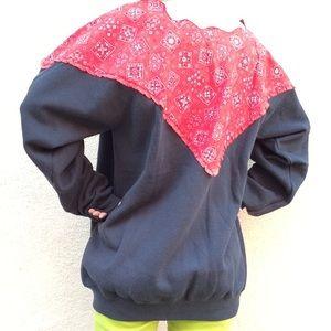 Vintage Tops - Bandana Paisley SOFT Inside Sweatshirt Scalloped